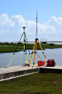 surveying equipment 2871079 1280 200x300 - Présentation de l'entreprise